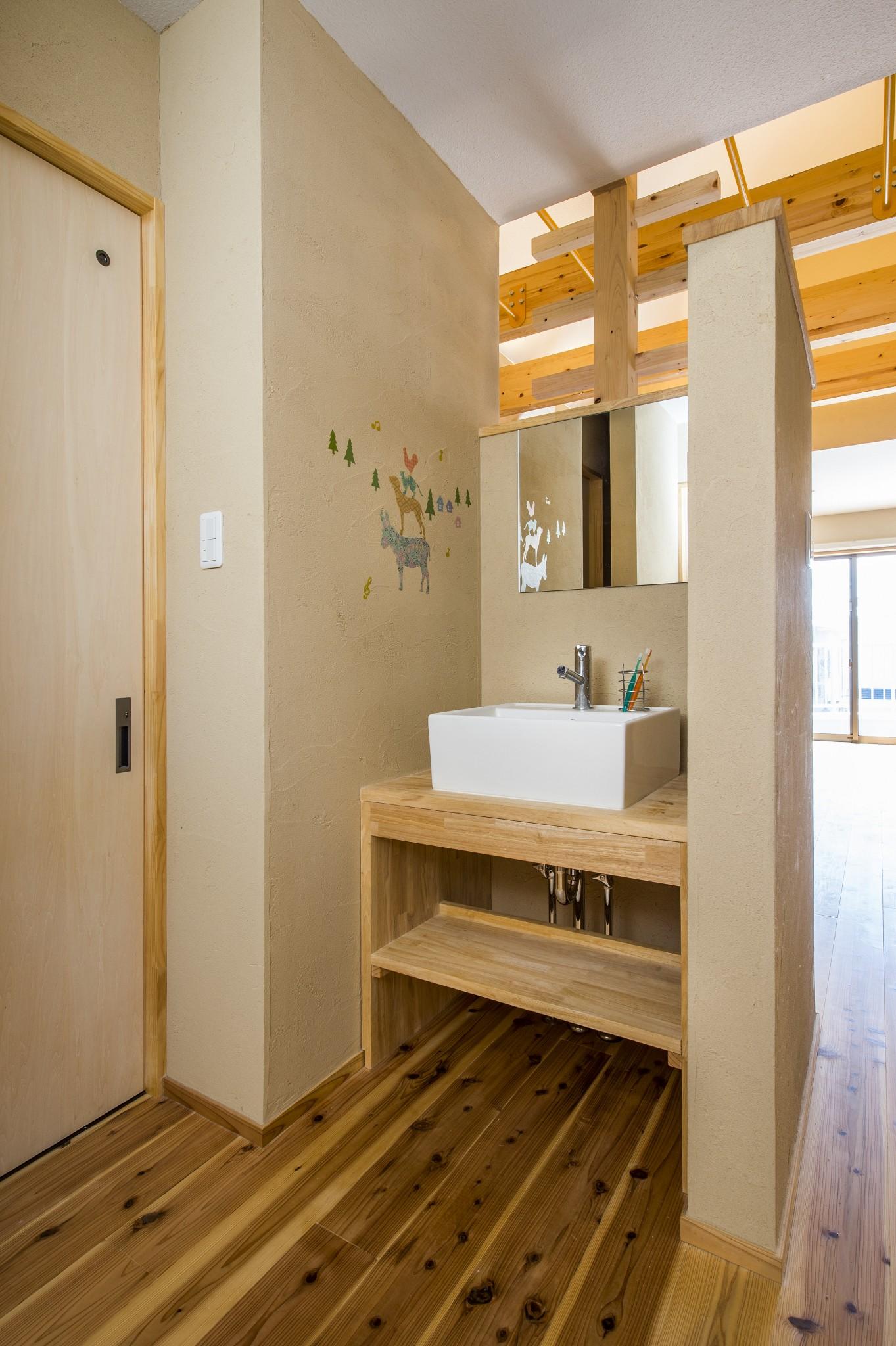 箕面市の注文住宅洗面室の写真