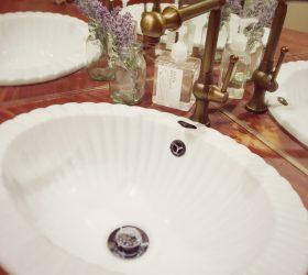 事務所のトイレの洗面 水栓を変えて使いやすく