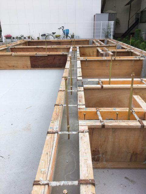 自然素材の家の新築工事