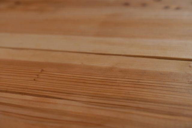 無垢のテーブルをメンテナンス